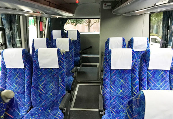阪急観光バス 車内