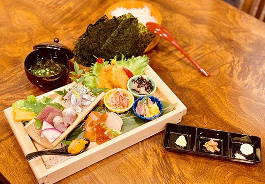 海鮮丼屋 海舟 早川漁村店 手巻き寿司