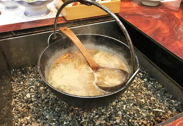 奥飛騨薬師のゆ 本陣 夕食 囲炉裏 お味噌汁