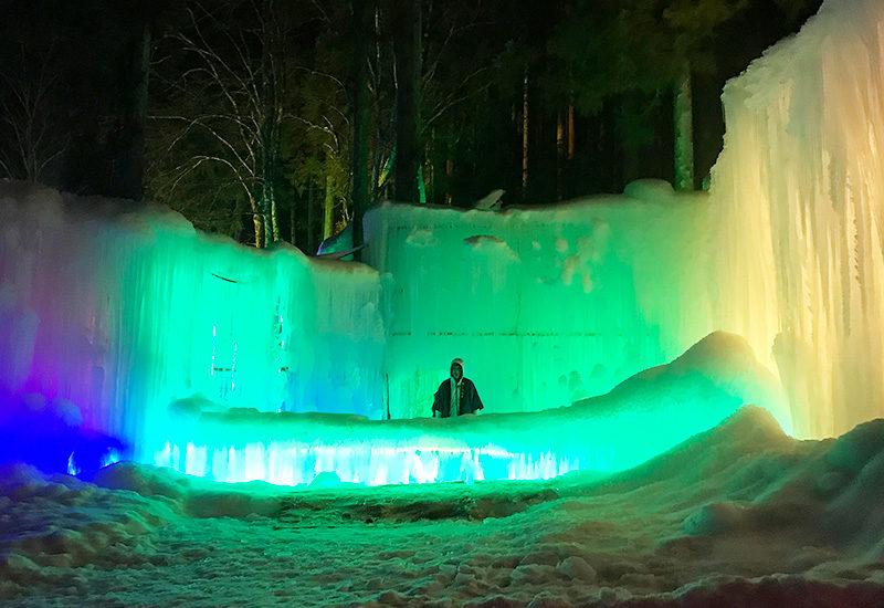 奥飛騨温泉郷 タルマかねこおり ライトアップ 氷のバー