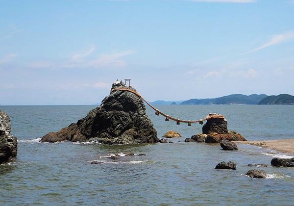 二神輿玉神社 夫婦岩
